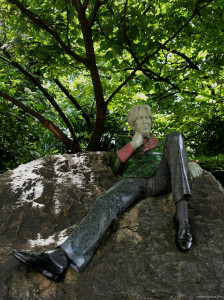 Oscar Wilde in Merrion Square, Dublin.