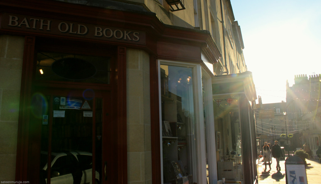 I saw many interesting looking bookshops in Bath. This one was opposite to an antique shop called Mantiques.