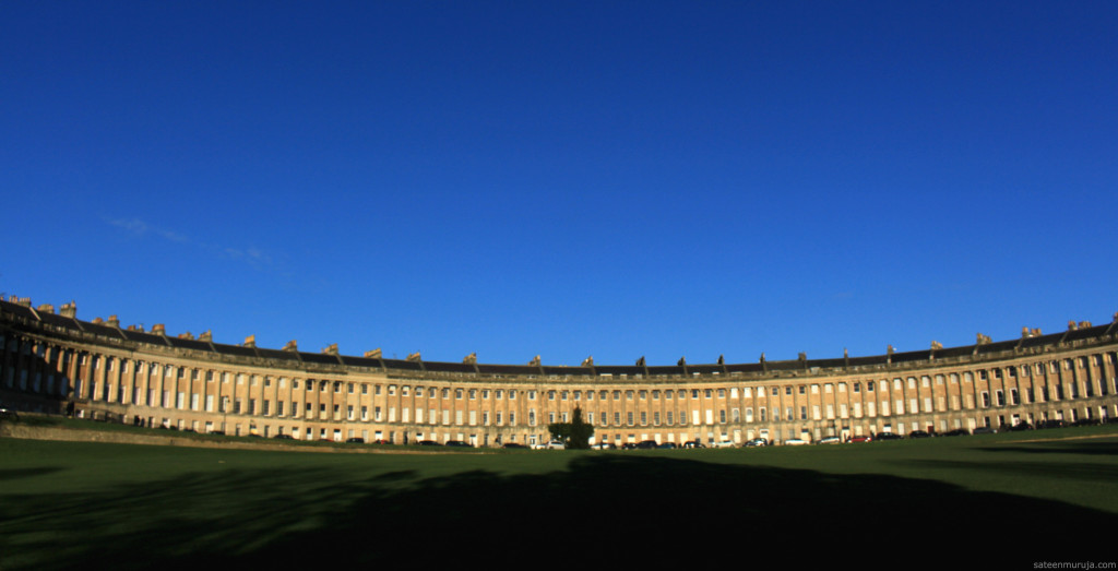 Bath's Royal Crescent made an impression on Jane Austen. Here is filmed, for example, a TV adaptation of Persuasion (2007).