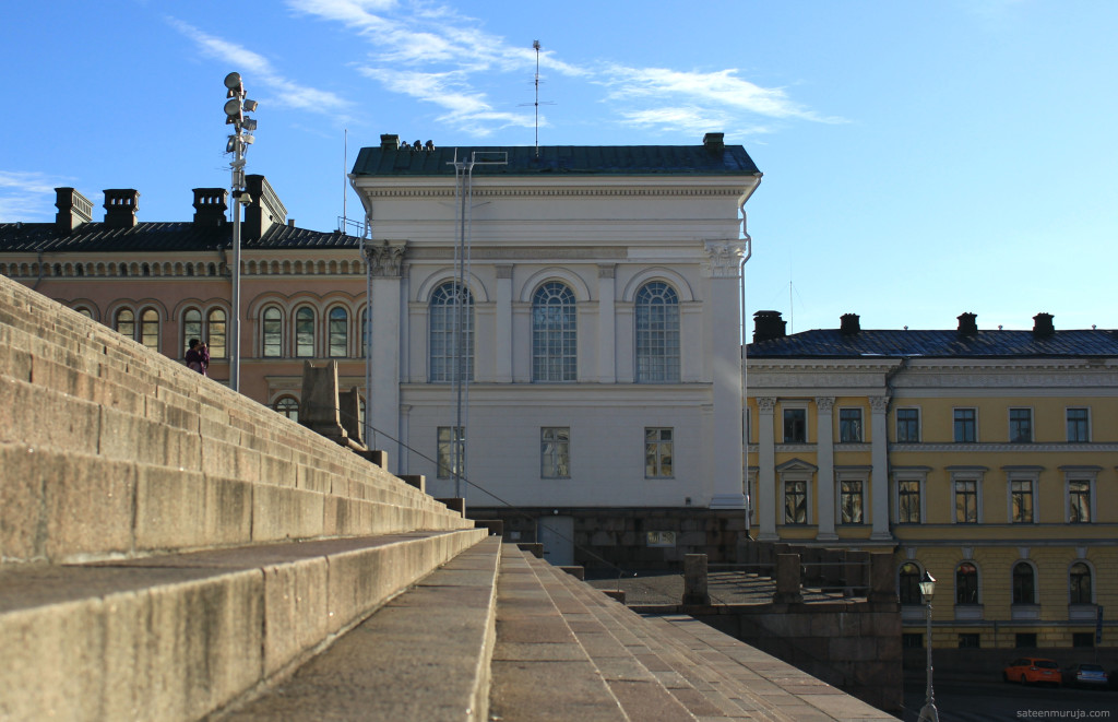 A lot of straight lines in Helsinki's architecture.