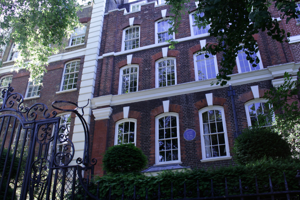 George Eliot lived here only for two weeks after her disatrous honeymoon in Venice. Her 21 years old younger husband had thrown himself into a canal in a fit of depression. He survived, 61-year-old Eliot died soon after.
