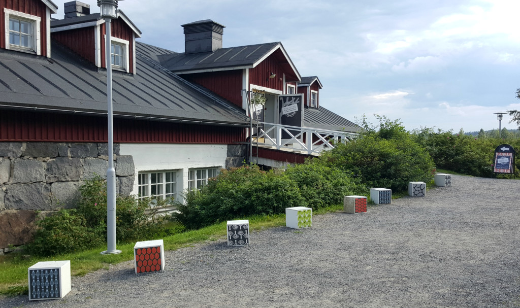In Kenkävero's outdoor buildings you can find Finnish design, craft and even bakery products.
