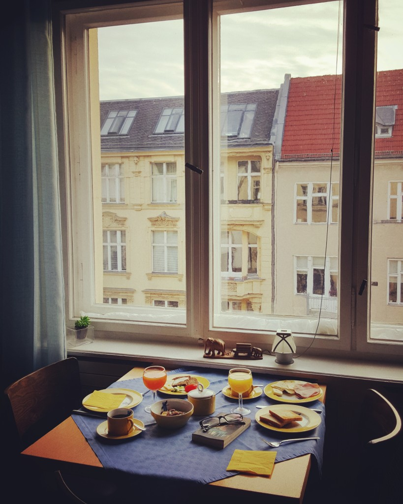 I could see Berliners waking up to a new day while enjoying my breakfast.