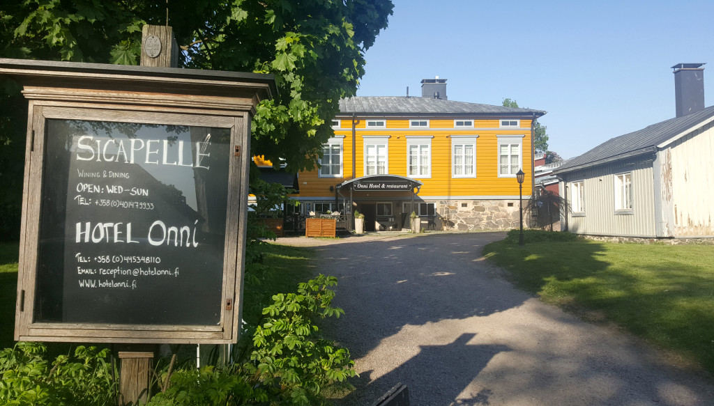 Hotel Onni is owned by the Stenroses too. Here you have restaurant Sicapelle, named after Ville Vallgren's favourite piglet that was eaten by Finland's national artist's, Akseli Gallen-Kallela's dog.