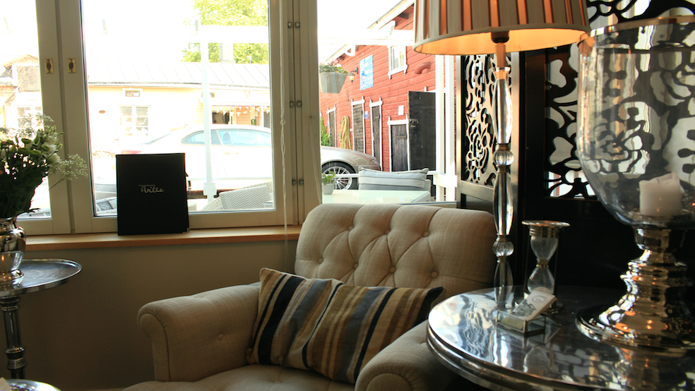 I'd love to return in the autumn, grab a book and enjoy a glass of red wine in the hotel's wine bar.